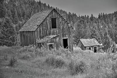 Photograph - The Elk Horn Barn by Richard J Cassato