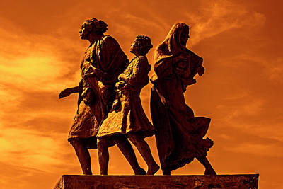 Photograph - The Emigrants by Arterra Picture Library