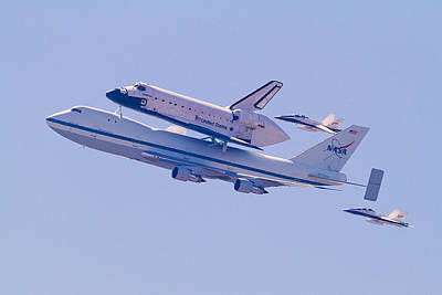 Photograph - The Endeavour Flyby by Ron Dubin