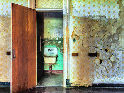 Photograph - The Executive Washroom by Dominic Piperata
