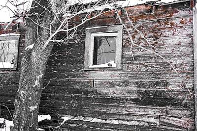 Photograph - The Faded Red Barn - Wilkes by Desmond Raymond