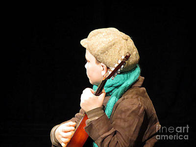 Photograph - The Fiddler by Donna Cavanaugh
