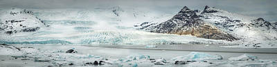Photograph - The Fjallajokull Glacier And Ice Lagoon. by Andy Astbury