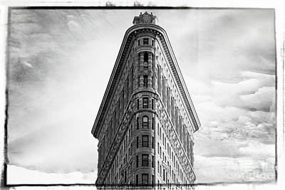 Photograph - The Flatiron Building New York City by Edward Fielding