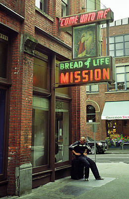 Photograph - The Folks - A Seattle Mission by Frank Romeo