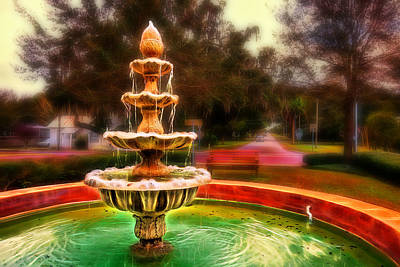 Photograph - The Fountain At Oakland by Lewis Mann
