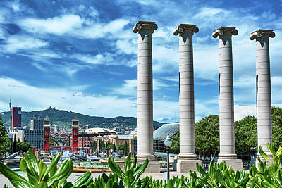 Photograph - The Four Columns And Barcelona From Montjuic by Eduardo Jose Accorinti