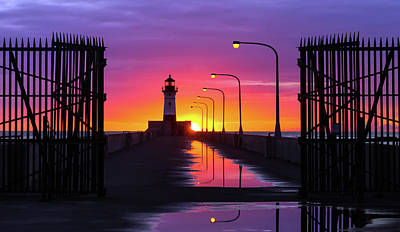 Duluth Photograph - The Gates Of Dawn by Mary Amerman