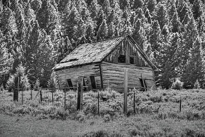 Photograph - The Gilmore Barn by Richard J Cassato