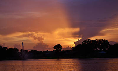 Photograph - The Glow - Sunset Lake Desoto by rd Erickson