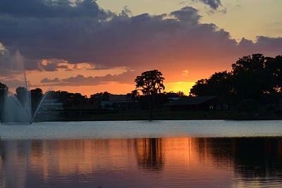 Photograph - The Glowing Sky At Sunset by rd Erickson