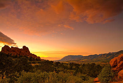 Garden Of The Gods Photograph - The Golden Hour by Tim Reaves
