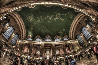 Photograph - The Grand Grand Central Terminal by Rafael Quirindongo