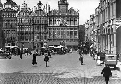 Belgium Photograph - The Grand Place In Brussels by Underwood Archives