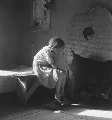 Photograph - The Great Depression. Young Girl by Everett