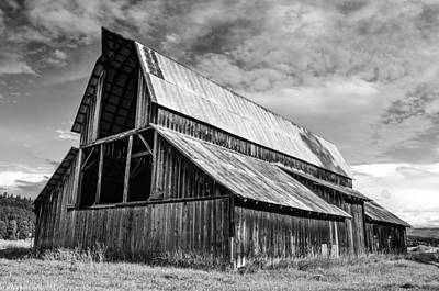 Photograph - Country Barn by Rand