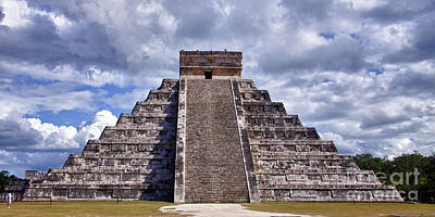 The Great Pyramid Of Chitzen Itza Art Print