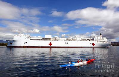 Mercy Photograph - The Honolulu Pearl Canoe Club Escorts by Stocktrek Images