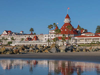 Island Stays Photograph - The Hotel Del Coronado by Robert Bellomy