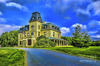 Photograph - The House On The Hill by Rick Bragan