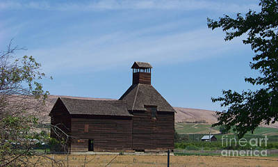 The Iconic Steeple Barn At Donald Art Print