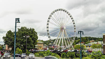 Photograph - The Island Smoky Mountain Wheel by Ules Barnwell