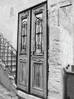 Photograph - The Israel Door Crisp by Donna Munro