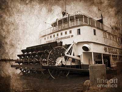 Photograph - The Kentucky Belle Of Louisville  by Brenda Kean