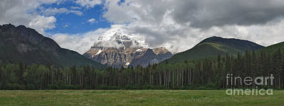 Canadian Rockies Photograph - The King's Glory by Charles Kozierok