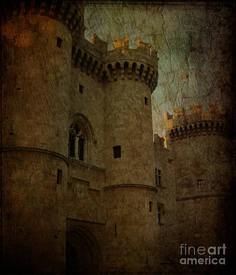 The King's Medieval Layer Art Print by Lee Dos Santos