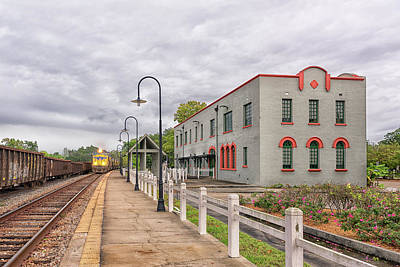 Photograph - The L And N Train Depot by Victor Culpepper