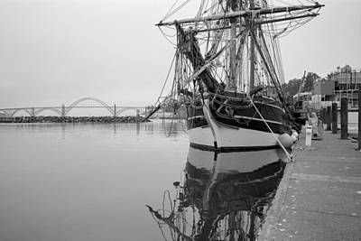 Photograph - The Lady Washington In Newport by HW Kateley