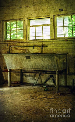 Photograph - The Laundry by Debra Fedchin