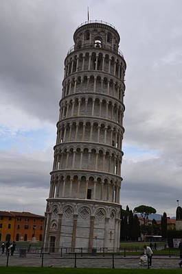 Pendente Photograph - The Leaning Tower by Tammy Mutka