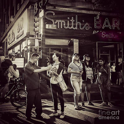 Photograph - The Legendary Smiths Bar - New York City by Miriam Danar
