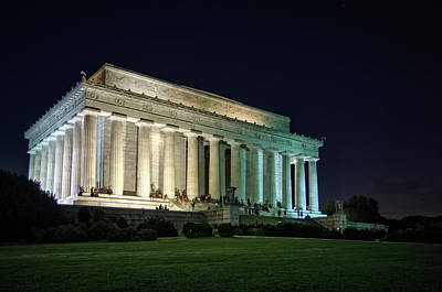 Stars Photograph - The Lincoln Memorial At Night by Greg Mimbs