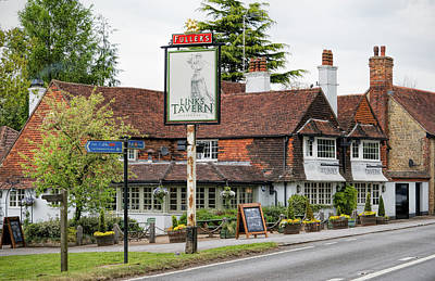 Photograph - The Links Tavern by Michael Hope