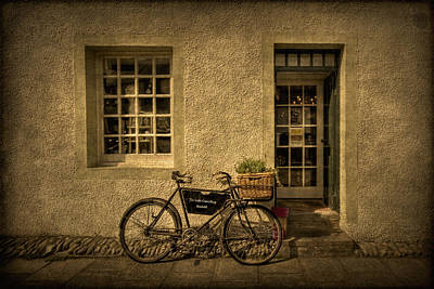 Photograph - The Little Curio Shop by Evelina Kremsdorf
