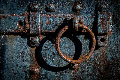 Photograph - The Lock II by Gary Lengyel