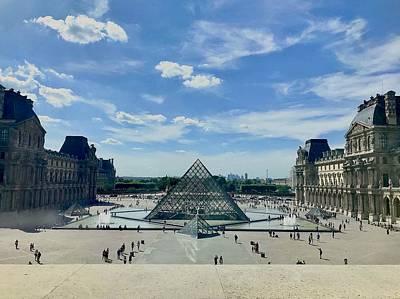 Photograph - The Louvre by Les Weber