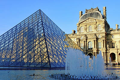 Photograph - The Louvre Pyramid And Richelieu Pavilion In Cour Napoleon In Paris, France by Richard Rosenshein