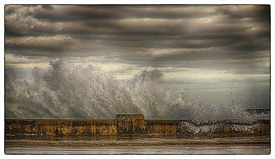 Art Print featuring the photograph The Malecon by R Thomas Berner