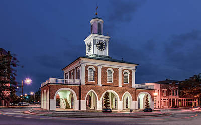 Photograph - The Market House by Rob Sellers