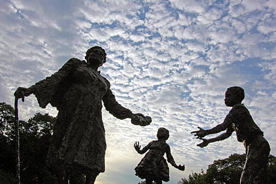 Photograph - Mary Mcleod Bethune Memorial Silhouette by Cora Wandel