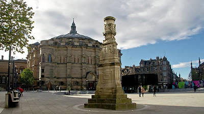 Photograph - The Mc Ewan Hall And Bristo Square by Elena Perelman