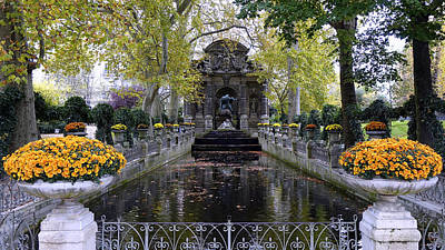 The Medici Fountain At The Jardin Du Luxembourg In Paris France. Art Print