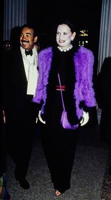 Photograph - The Met Set Gloria Vanderbilt And Bobby Short by Tony Palmieri