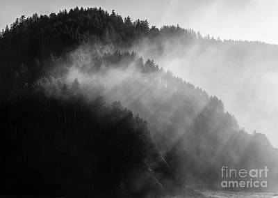 Crepuscular Rays Photograph - The Moment Created By Sunlight by Masako Metz