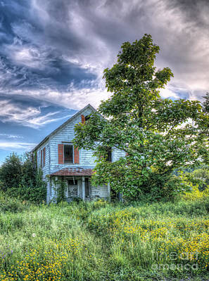 Photograph - The Nathaniel White Farm House by Rick Kuperberg Sr