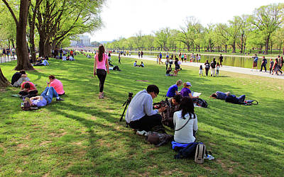 Photograph - People On The National Mall -- Looking West by Cora Wandel